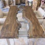 Massivholz-Esstisch aus recyceltem Teakholz